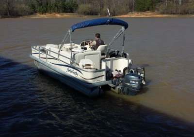 2006 Sweetwater 19′ Fishing Pontoon Boat